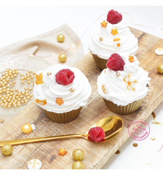 Golden deco-themed sweet scenery decorations