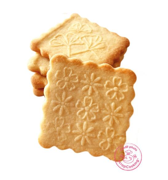 Tampon à biscuits bois flower + découpoir